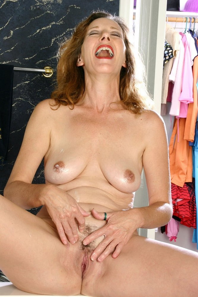 Mature mom small tits-4275
