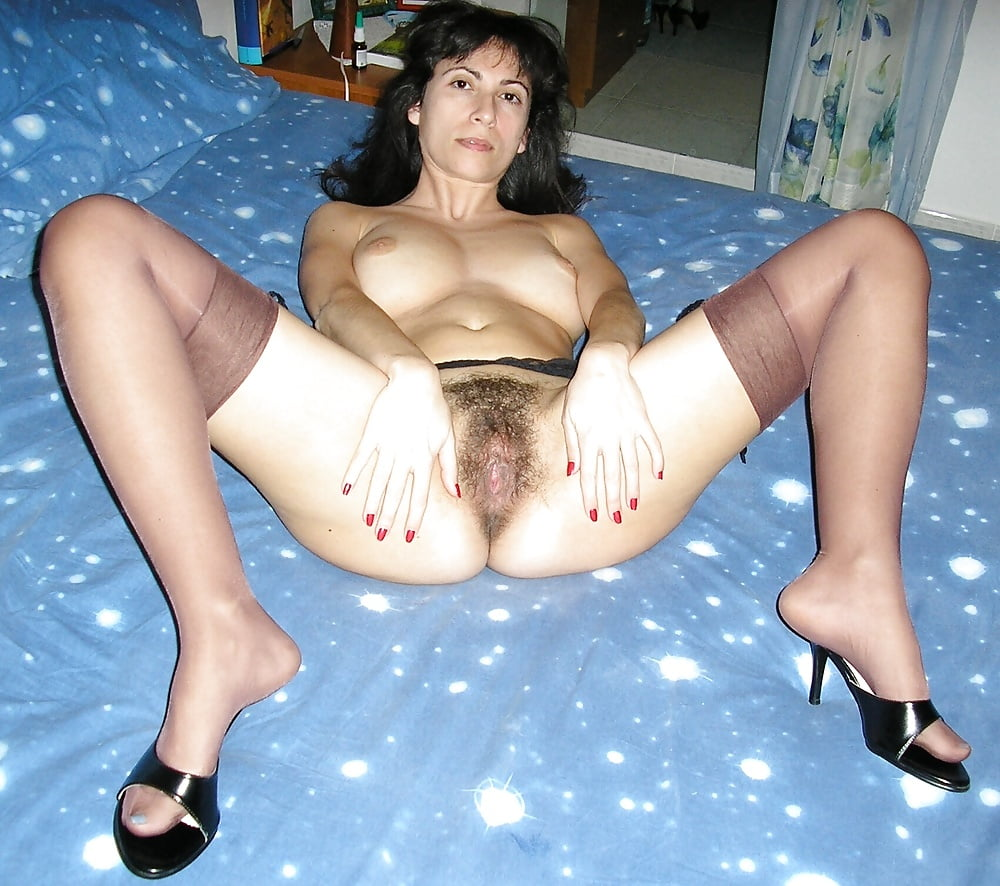 mature amateurs in blue stockings