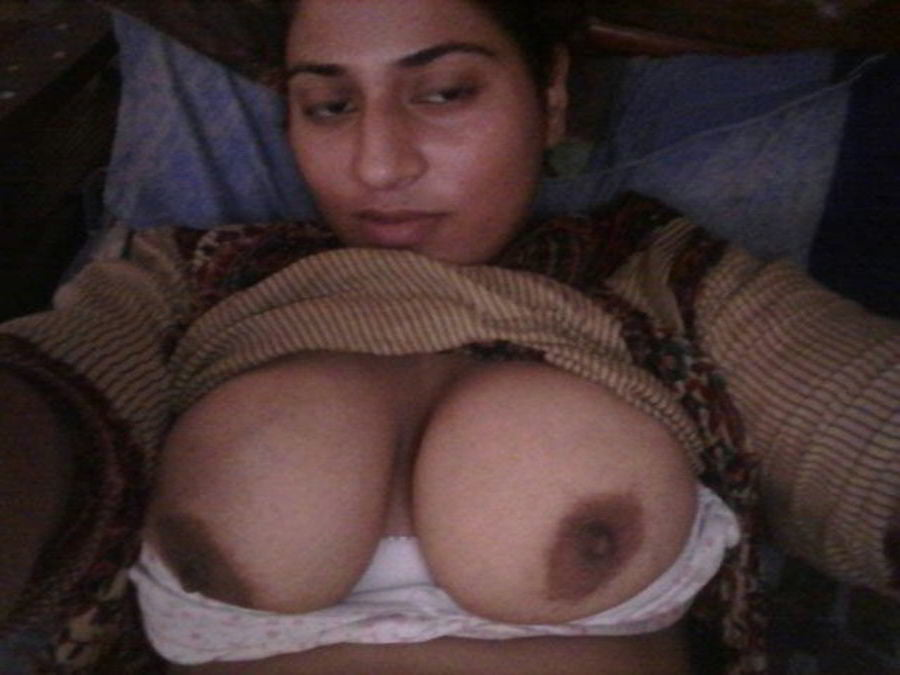 Mahie Gill naked Punjabi film full nude photos