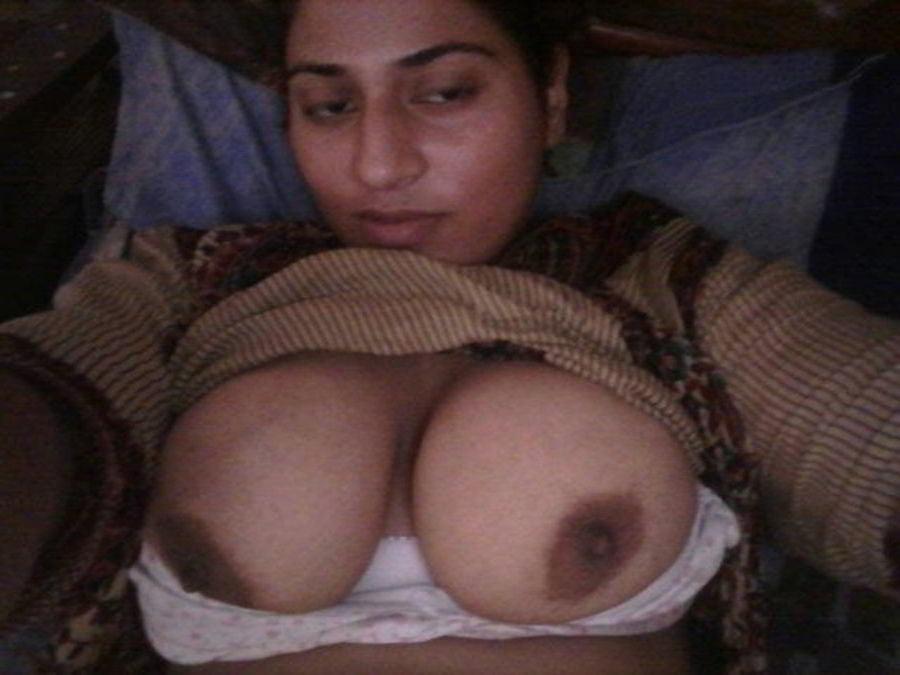 Mahie Gill naked Punjabi film full nude photos 4