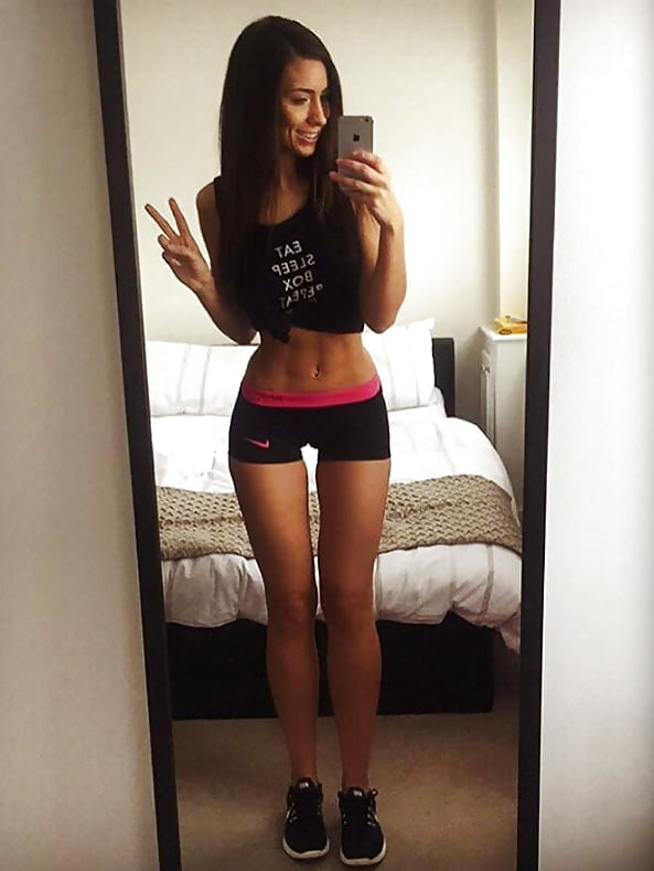 thigh-gap-with-camel-toe