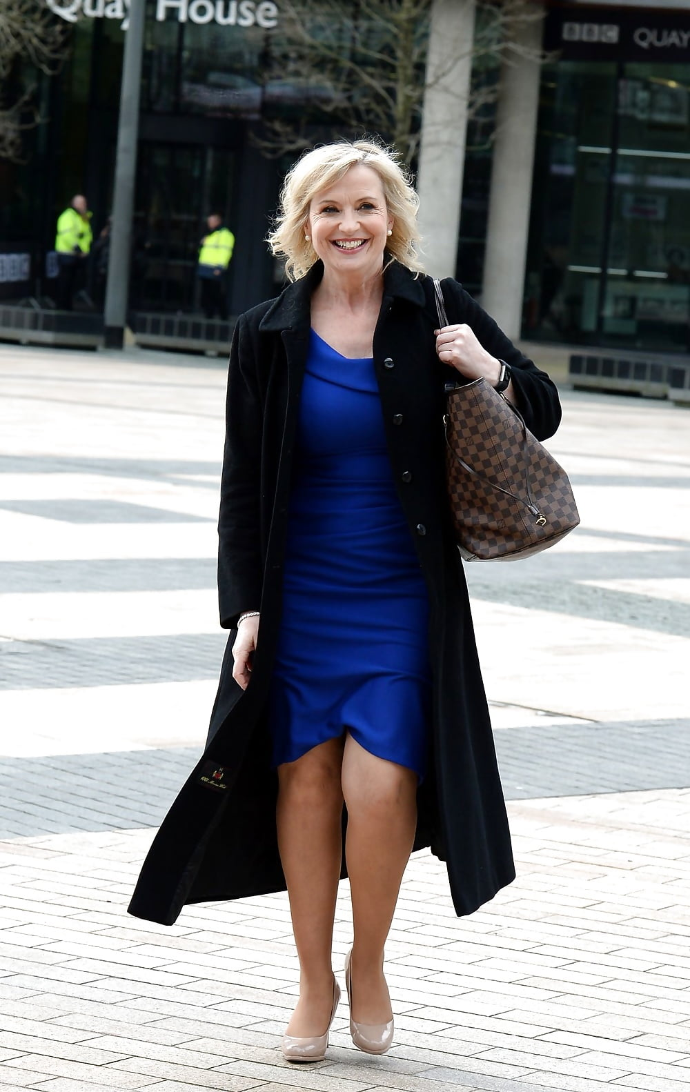 carol kirkwood uk mature weather girl in tan pantyhose