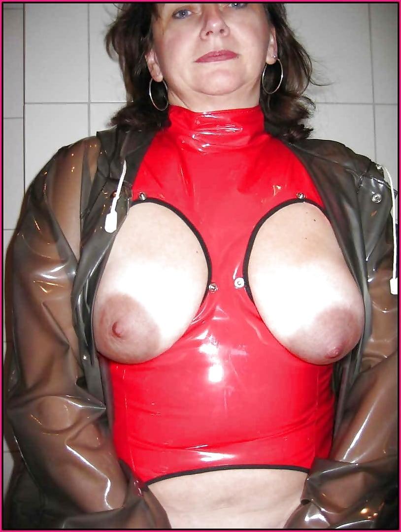 Mature women in latex-3367