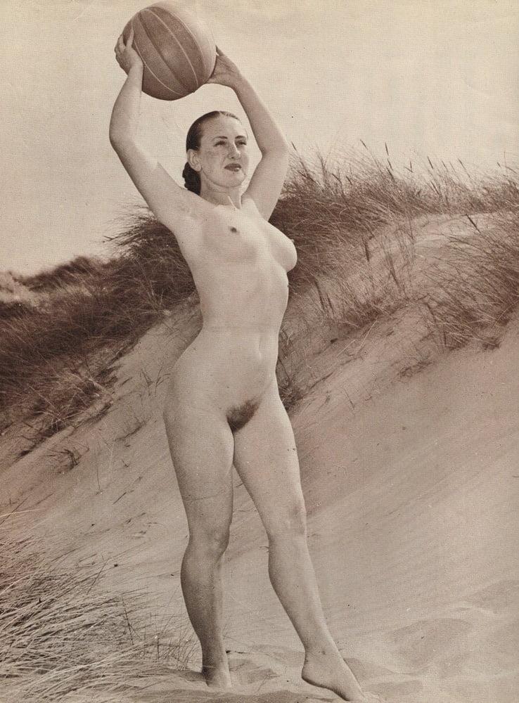 Vintage nude workout