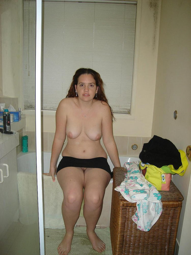 Unaware Wife Nude