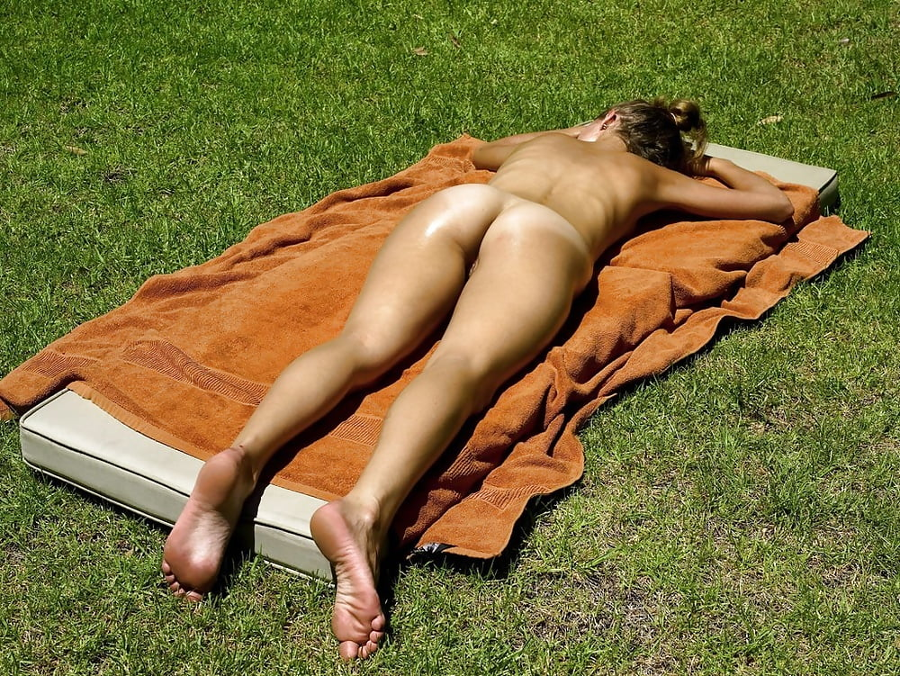 Jennifer nude sunbathing
