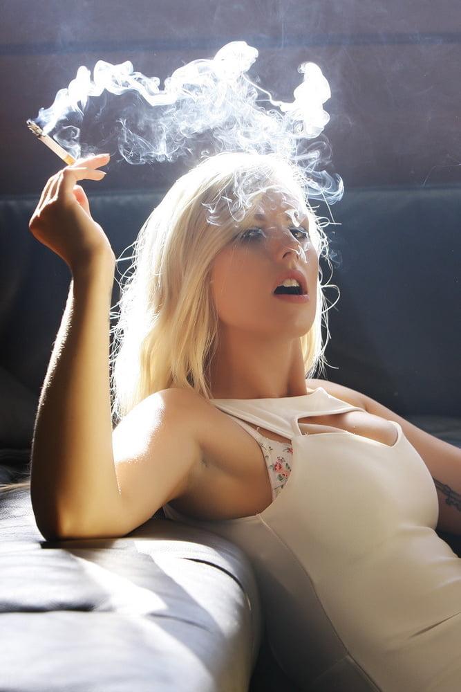 Hot Ganja Girls