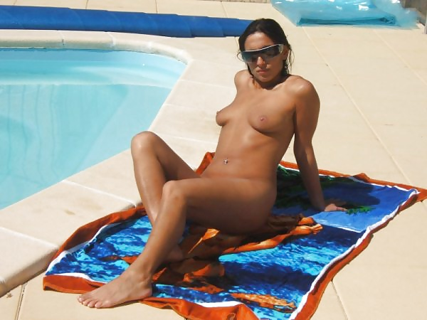 sexy amateur in pool shaved pussy porn gallery