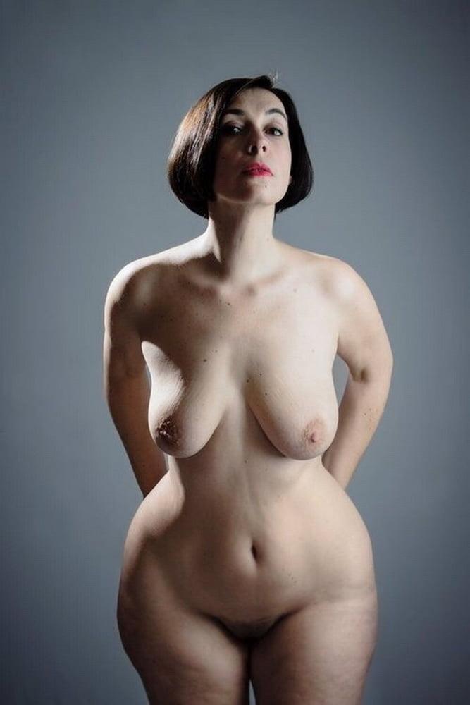эротическая фото крупных женщин идет
