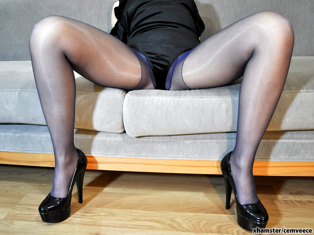 Eurosex babe fucking her agents cock-5723