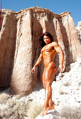 Attractive Naked Webcams Female Bodybuilder Pic