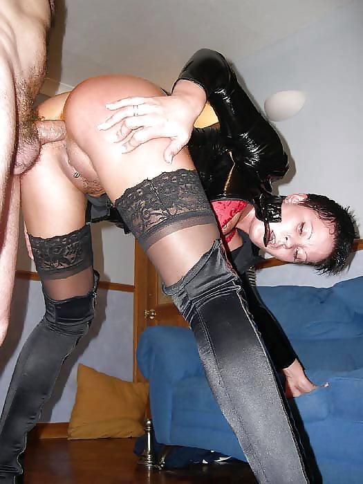 Анальное домашнее порно в чулках