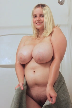 dildo in woman tight pussy