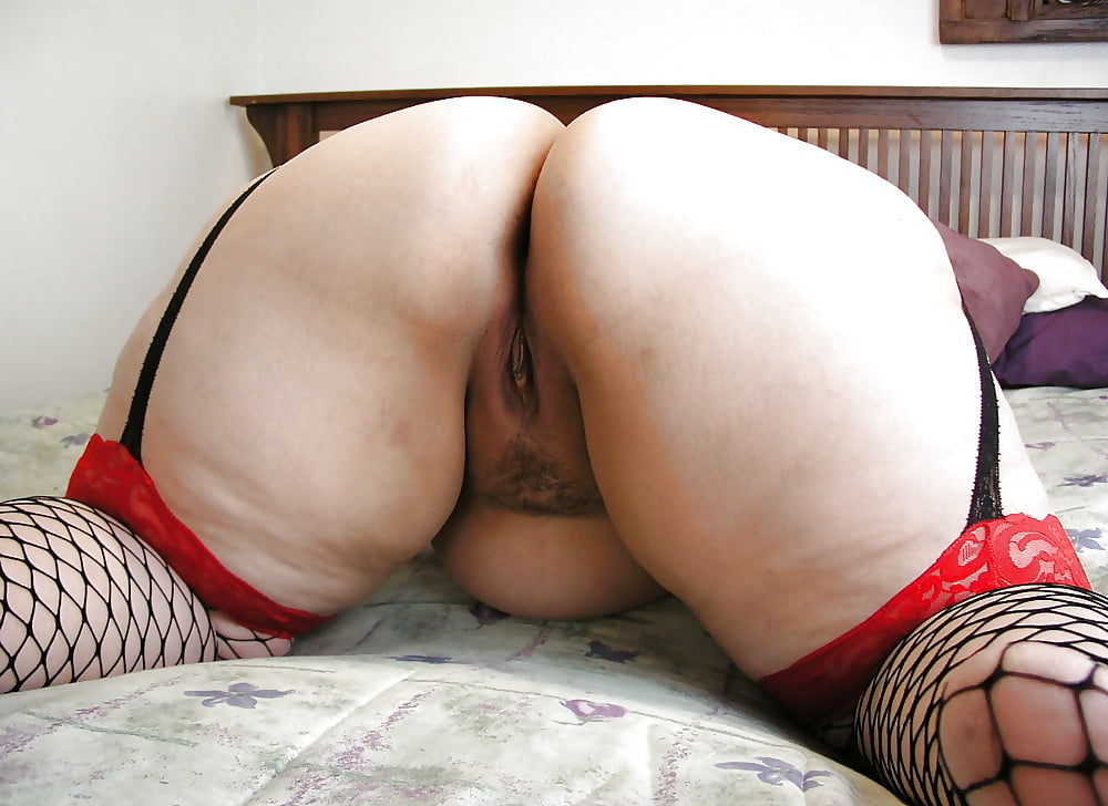 Fat ass naked — photo 5
