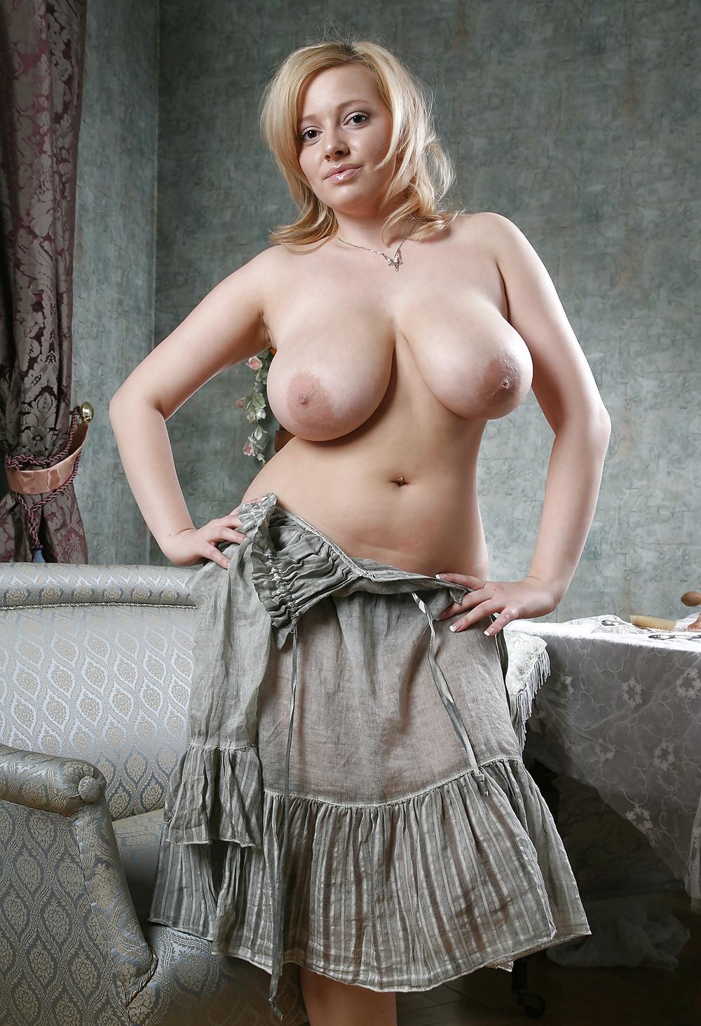 Казашка большие сиськи в россии фото дам