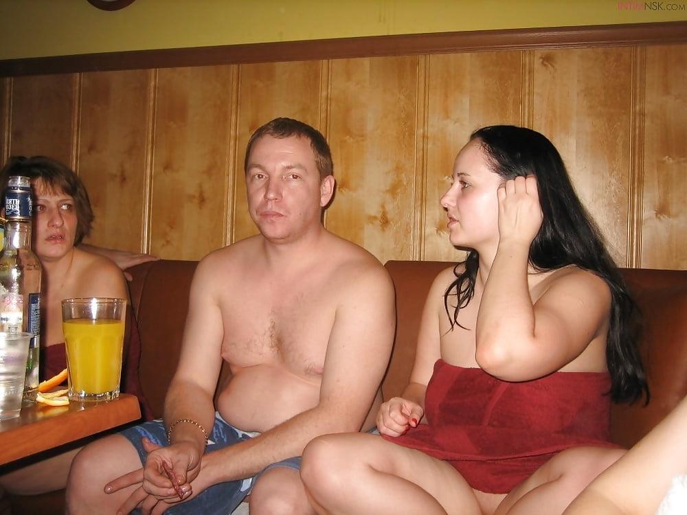 svingeri-v-bane-fotografii-lyubitelskiy-s-bolshoy-grudyu