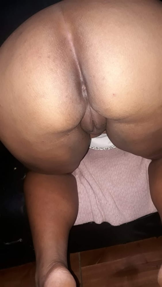 A Esposa Morena gostosa do Luciano - 8 Pics
