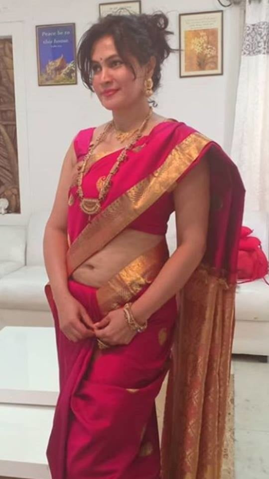 Sexy fat indian granny in saree
