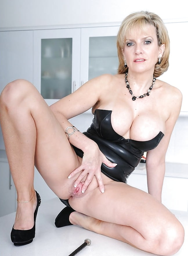 Lady sonia nude porn