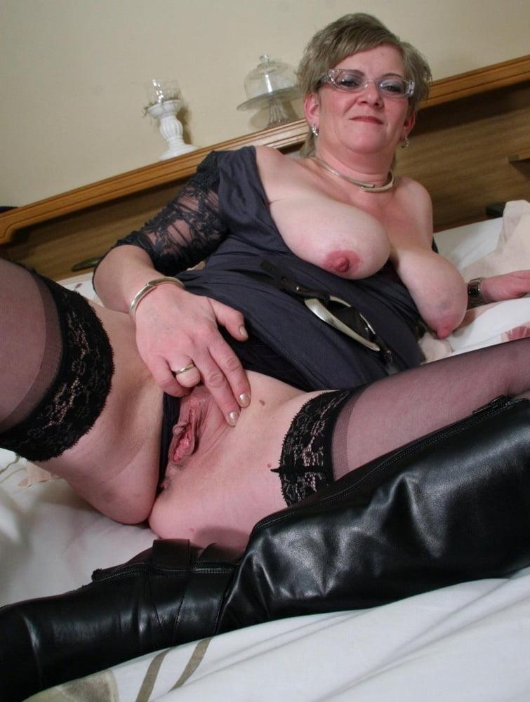 Старые проститутки дешево киров снять проститутку