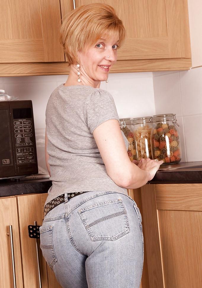 Mom popular porn pics