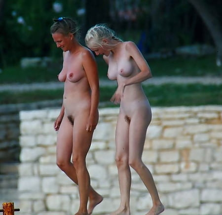 Nude mutter tochter Daughter From