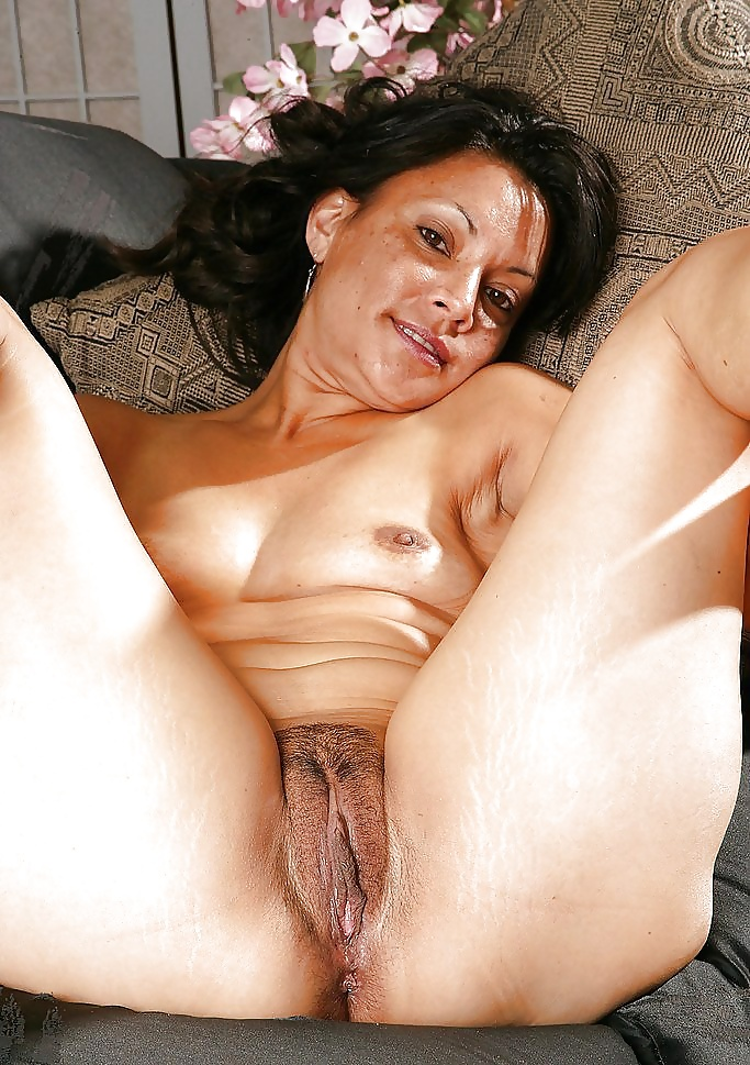 Free Latina Mature Pictures Collection
