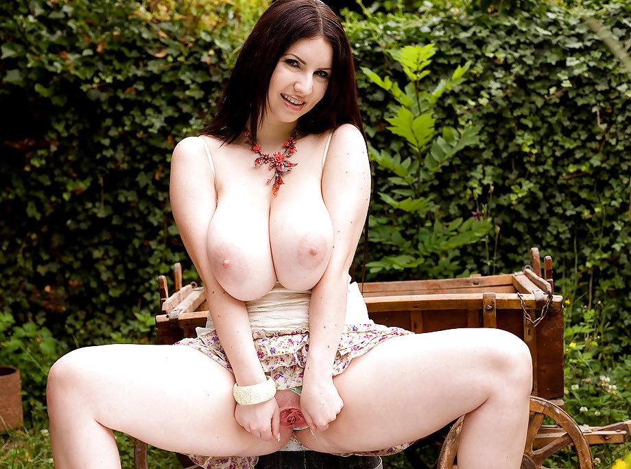 Karina hart sexy pose 1