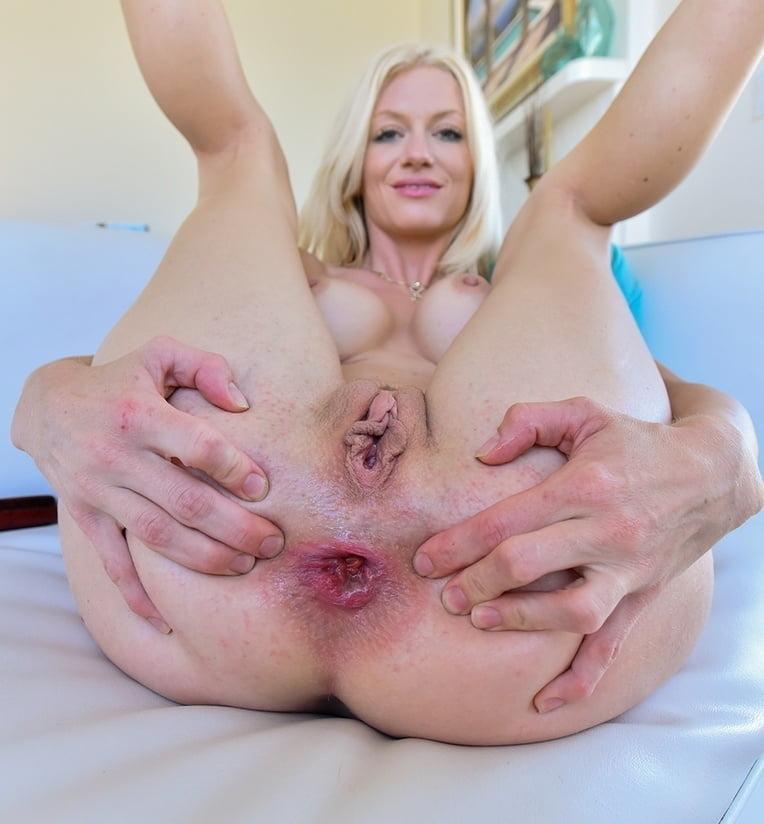 Huge pussy hole