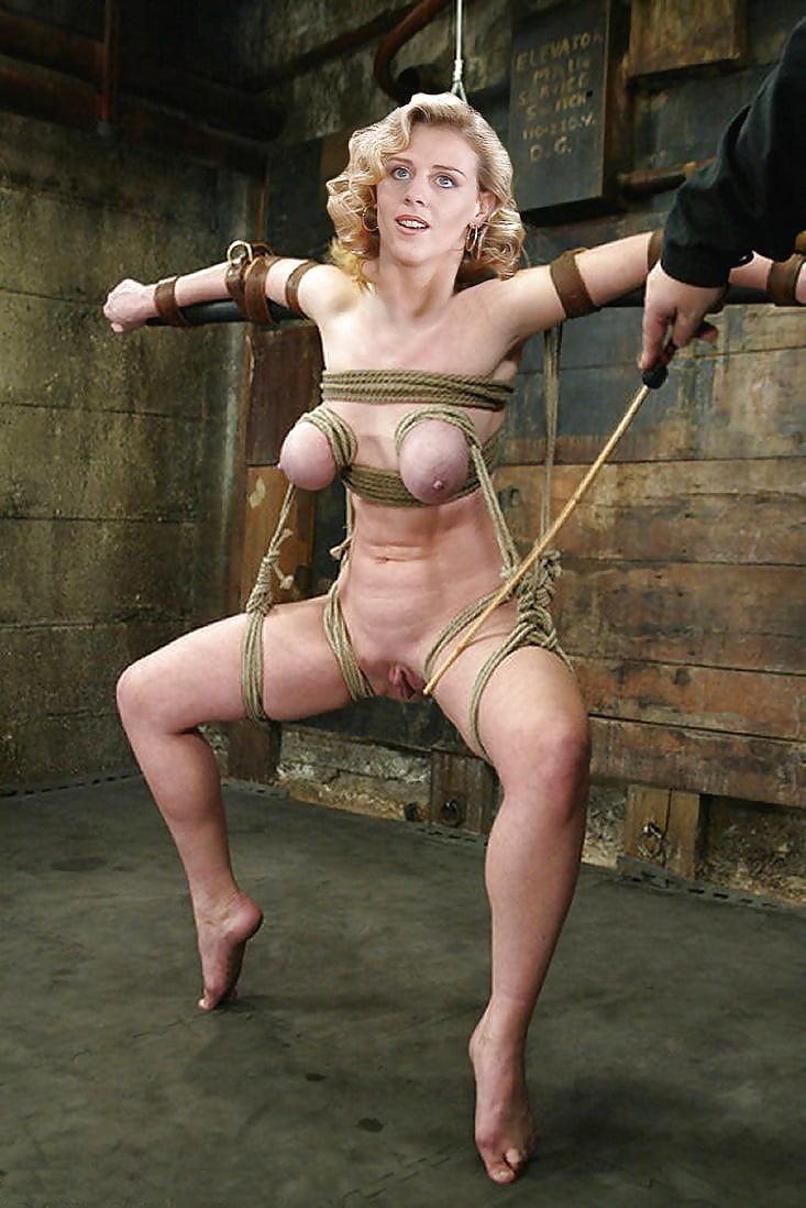 леоне шмарит голые тетки мучают девушку симпатичная шлюшка