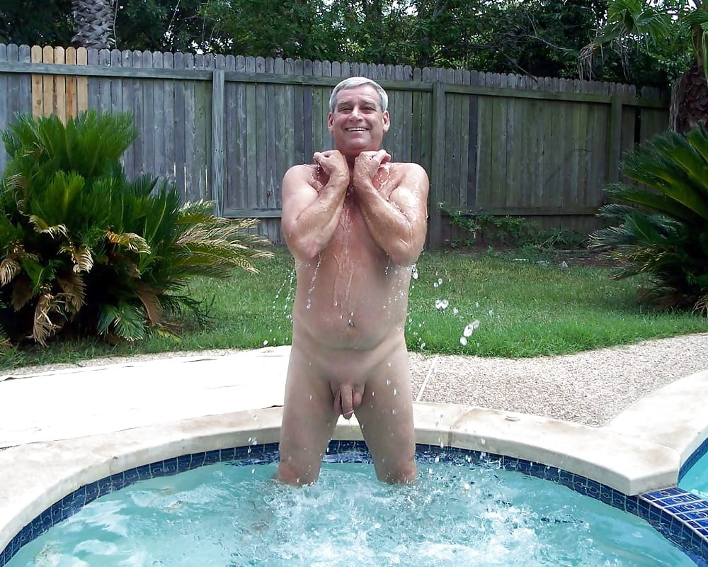 Naked old man in hot tub — img 9
