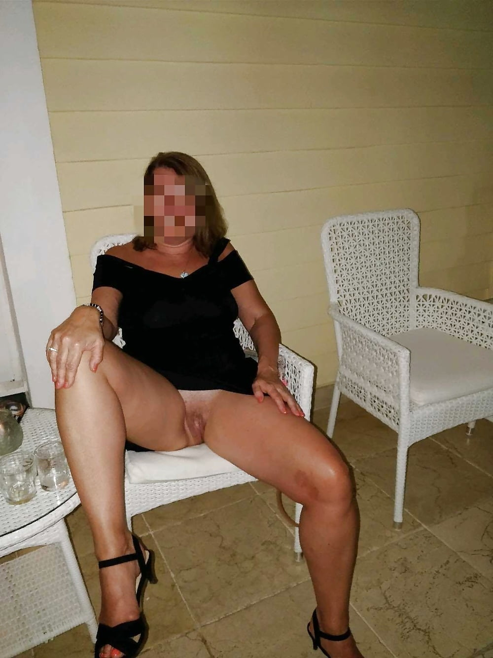 Wife With No Panties HD