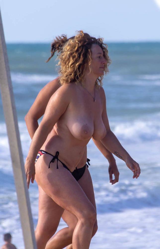 Women paula creamer topless beach pics