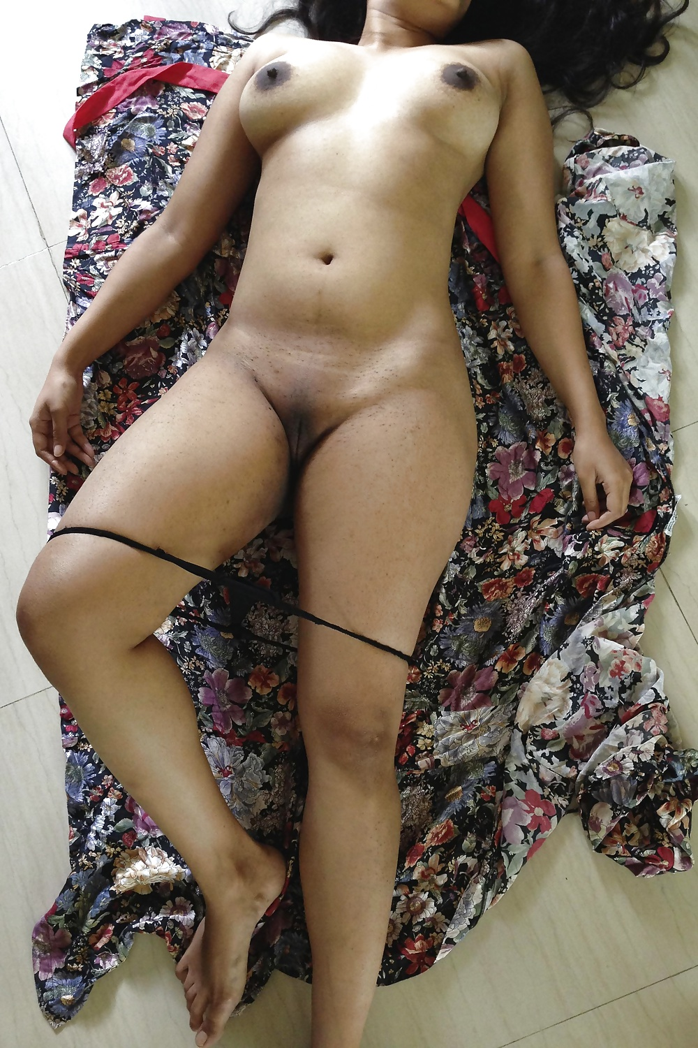 Indian Desi Aunty Milf Hot Wife Swinger Cuckold - 24 Pics -9203