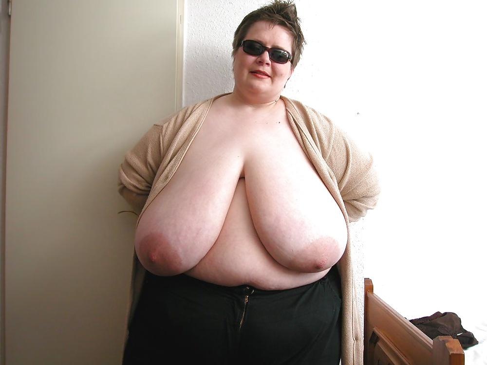 Boob fat old woman, nudist labia