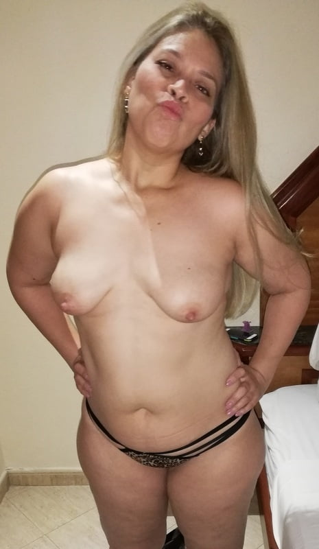 Wife is a cumslut