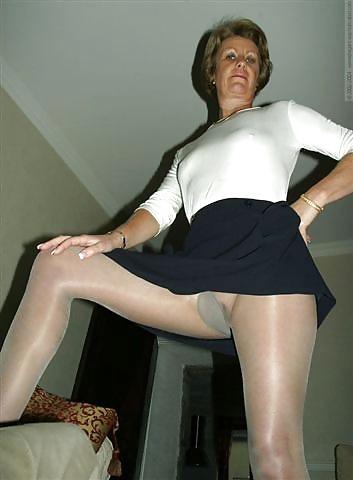 galleries wearing Older women pantyhose