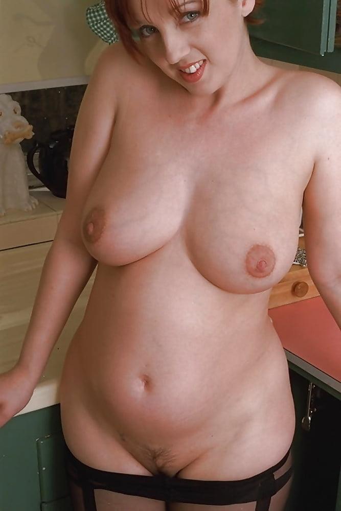 голые девушки полные с животиками начинает