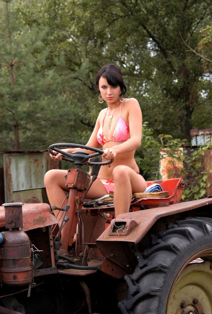 horny-wet-girl-masrerbates-on-tractor-girl-sex