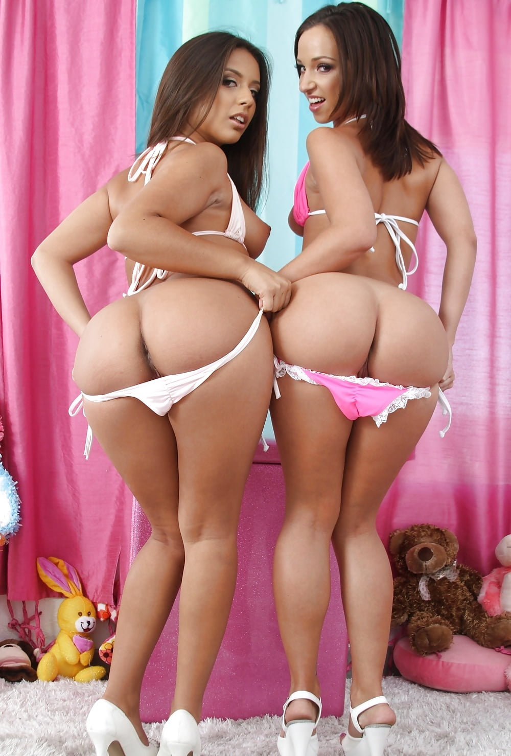 Sexy bigbooty lesbos, big asian lesbian boobs