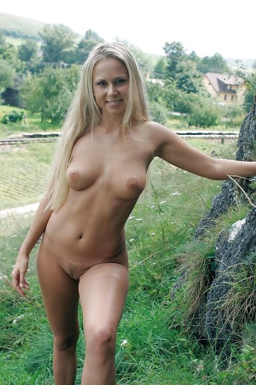 Teen country girl nude
