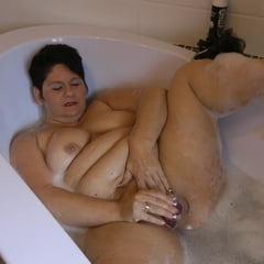 Secretly Masturbating In The Tub