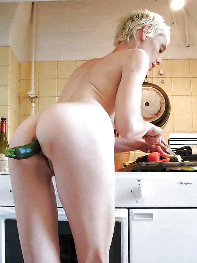 kitchen-porn-voyeur