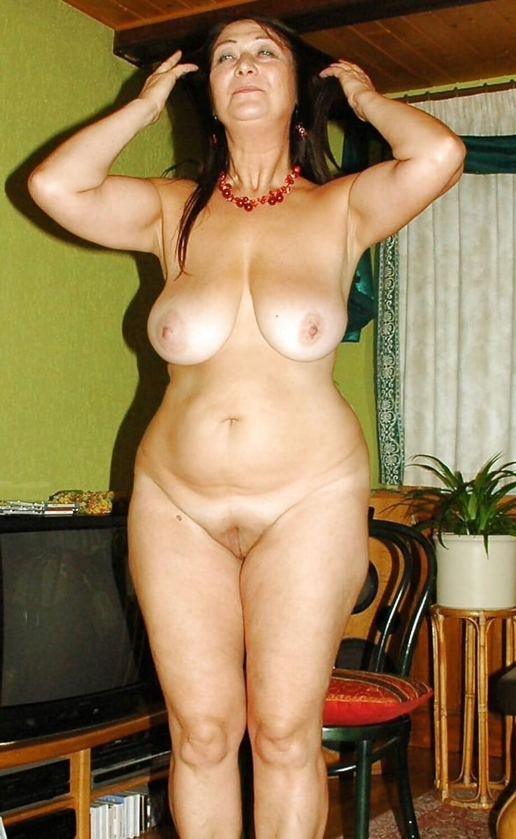 Зрелые голые женщины только фото