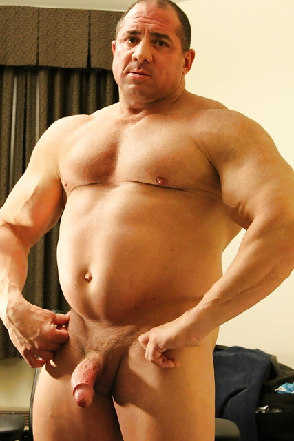 big-daddy-muscle-nude