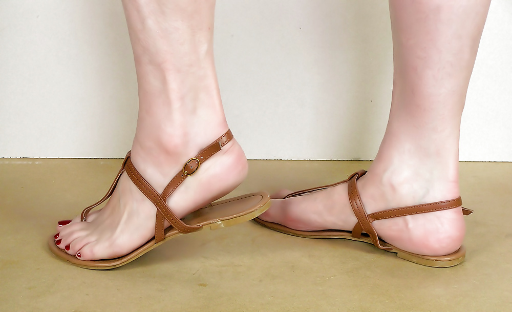 Young soles pearl sandal