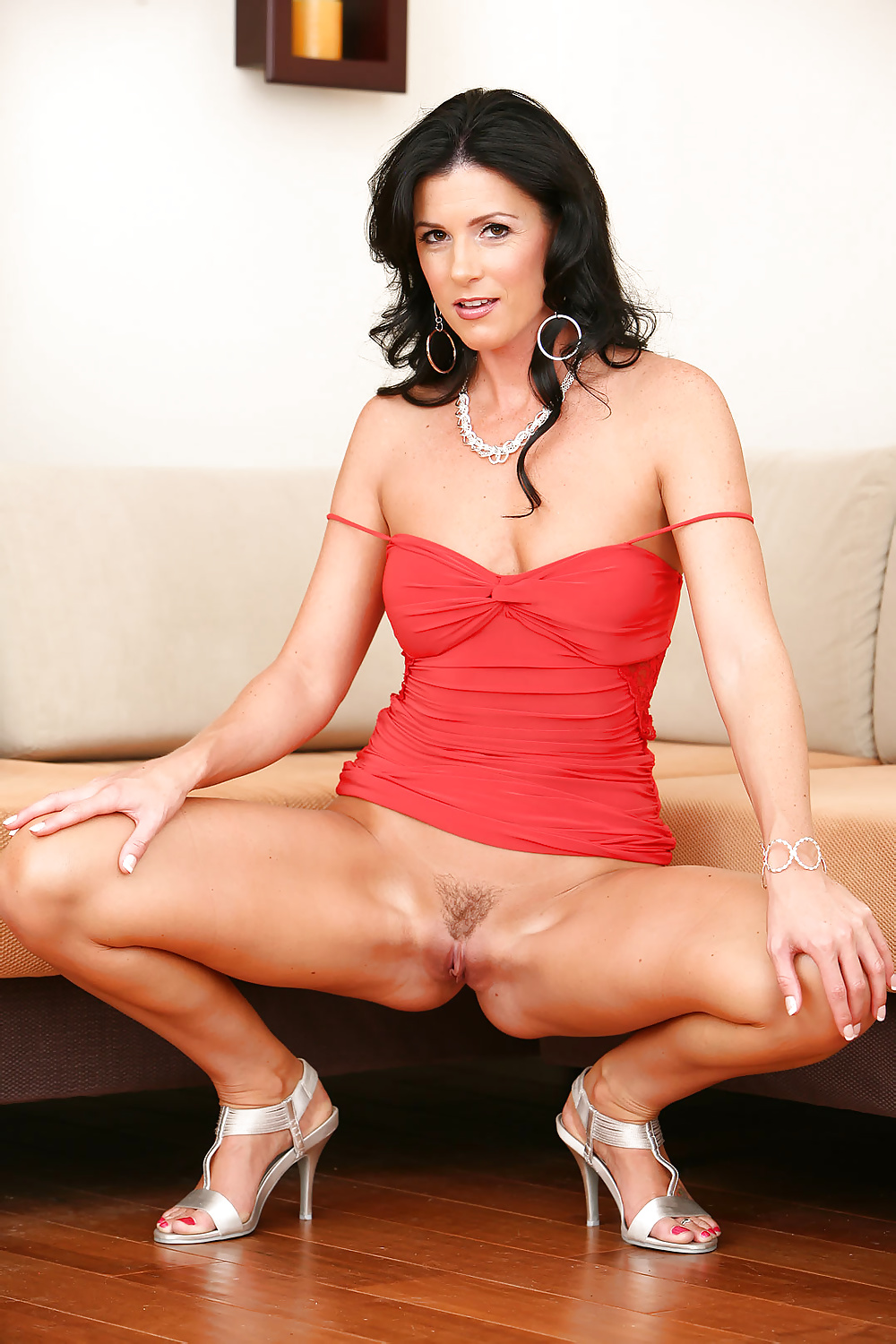 Brunette milf stephania with a beautiful body pleases her hairy pussy