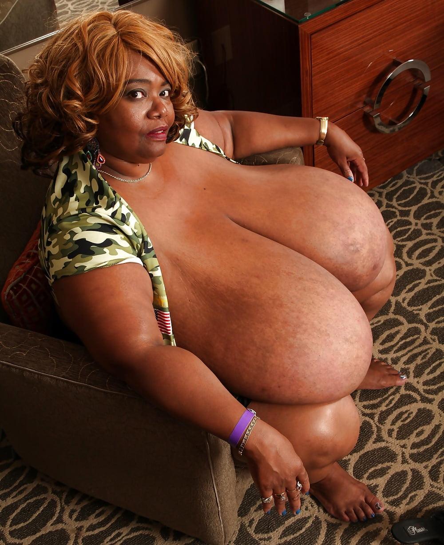 Big black mama boobs — pic 10