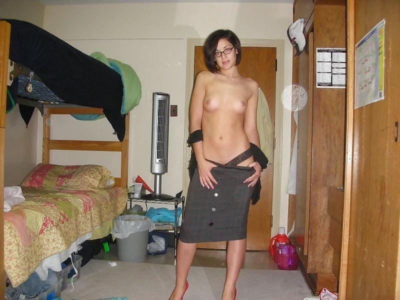 Фото голых женщин в общаге