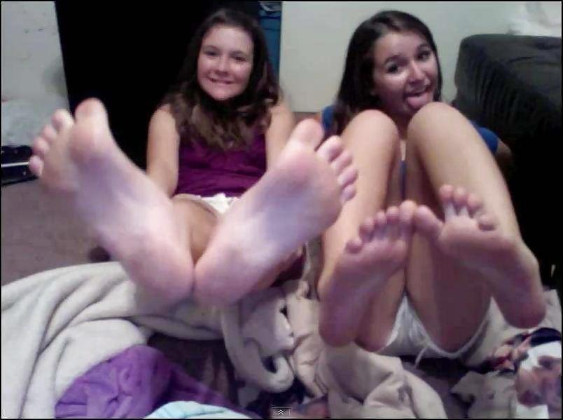 Teen feet cam